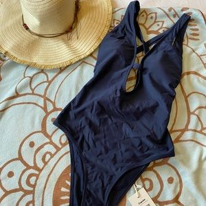 NWT-Cupshe Navy One-piece SIze M